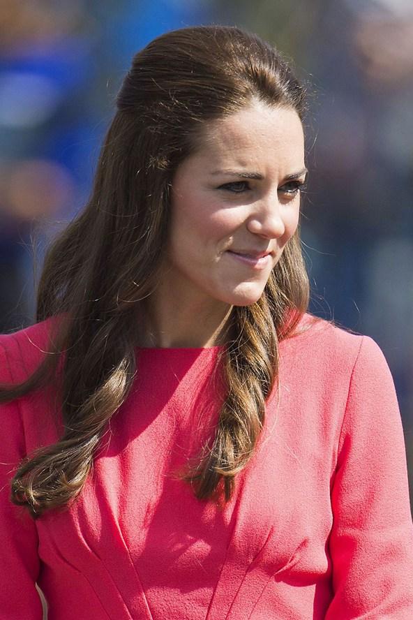 Duchess-of-Cambridge--_glamour_1jul14_rex_b_592x888