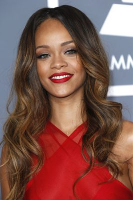 rihanna-new-hair-singer-goes-from-blonde-to-ginger-42462_w1000