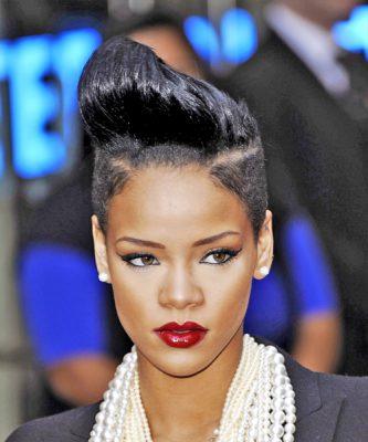 rihanna-hairstyles-bangs