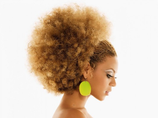 beyonce-curly-hair-style-1280x960