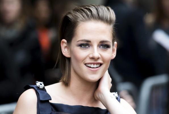 28679-kristen-stewart-fashion-style-twilight-actress-rocks-long-hair-sparkle