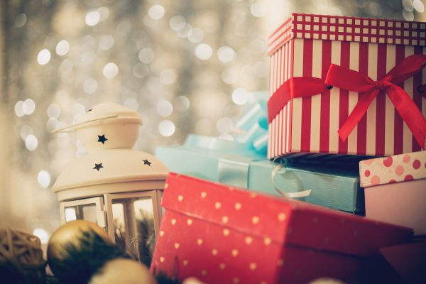 Arrangement of Christmas presents.