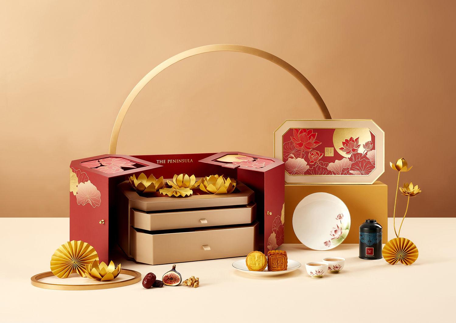 The Peninsula Star Chef Moon Gazing Gift Box Star Chef Mooncake Gift Box - THE EDGE SINGAPORE