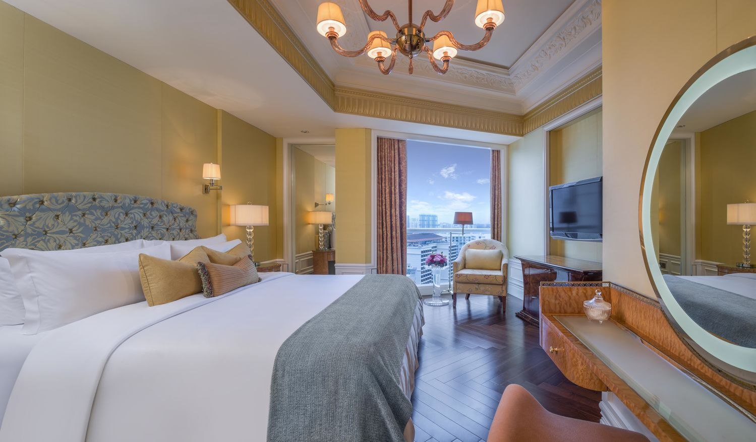 Specialty Suite Bedroom - THE EDGE SINGAPORE