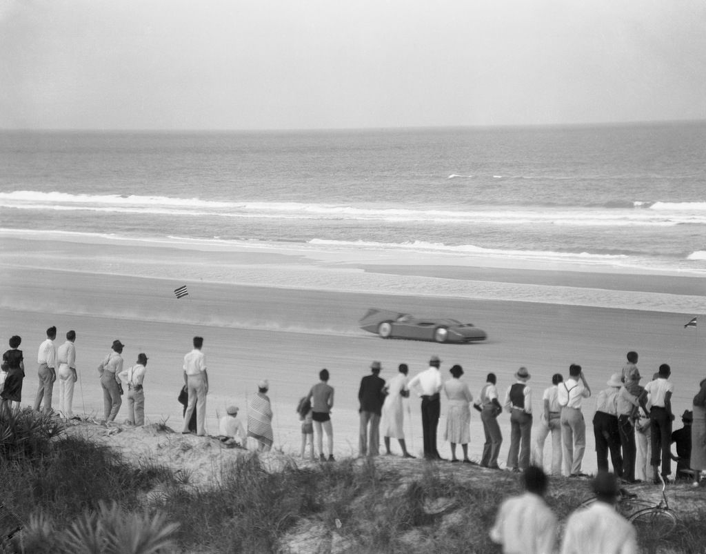 Daytona Beach 1935 - THE EDGE SINGAPORE