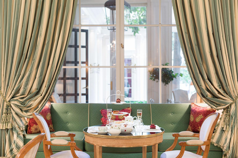 Tea Time du Bristol Paris par Pascal Hainigue ClaireCocano - THE EDGE SINGAPORE