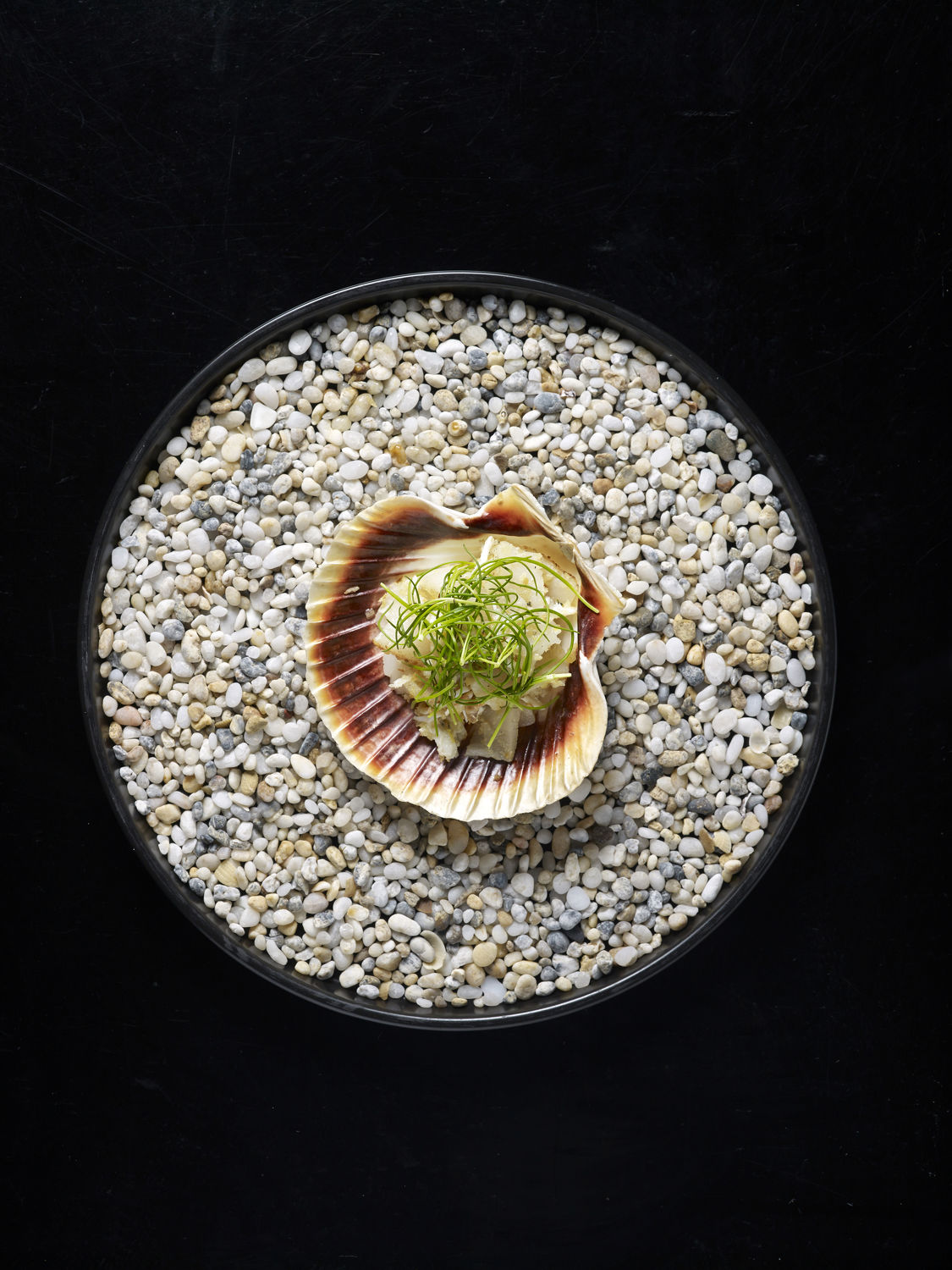 Rescoldo Mud Crab and Scallop with Garlic and Parsley crumb - THE EDEG SINGAPORE