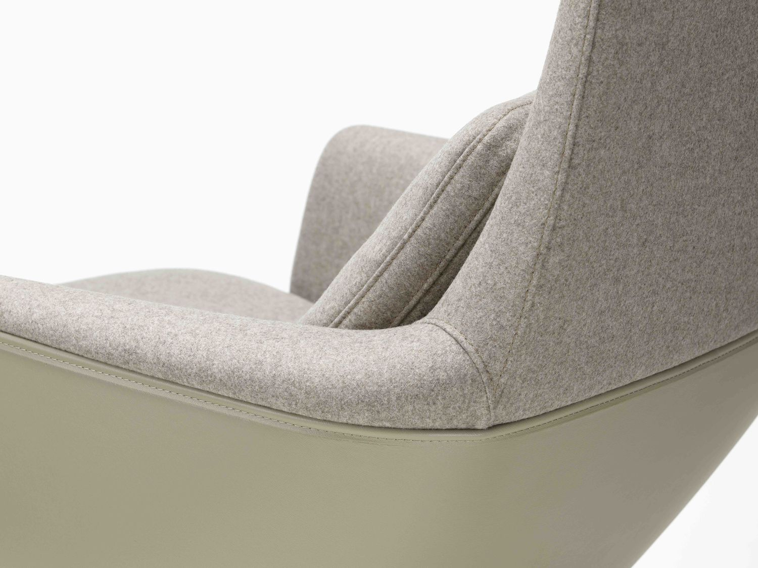 Grand Relax lounge chair - THE EDGE SINGAPORE