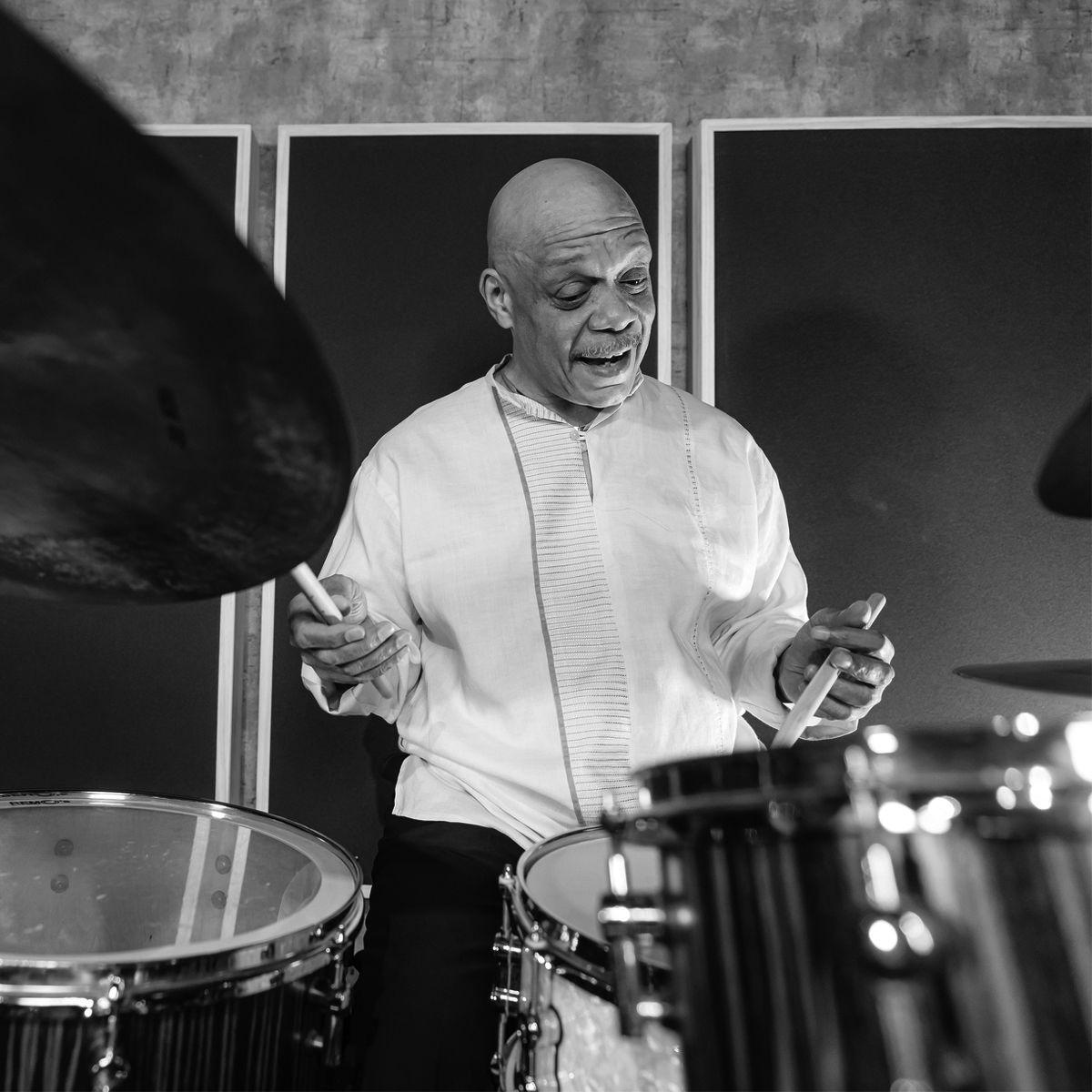 Darryl Ervin - THE EDGE SINGAPORE
