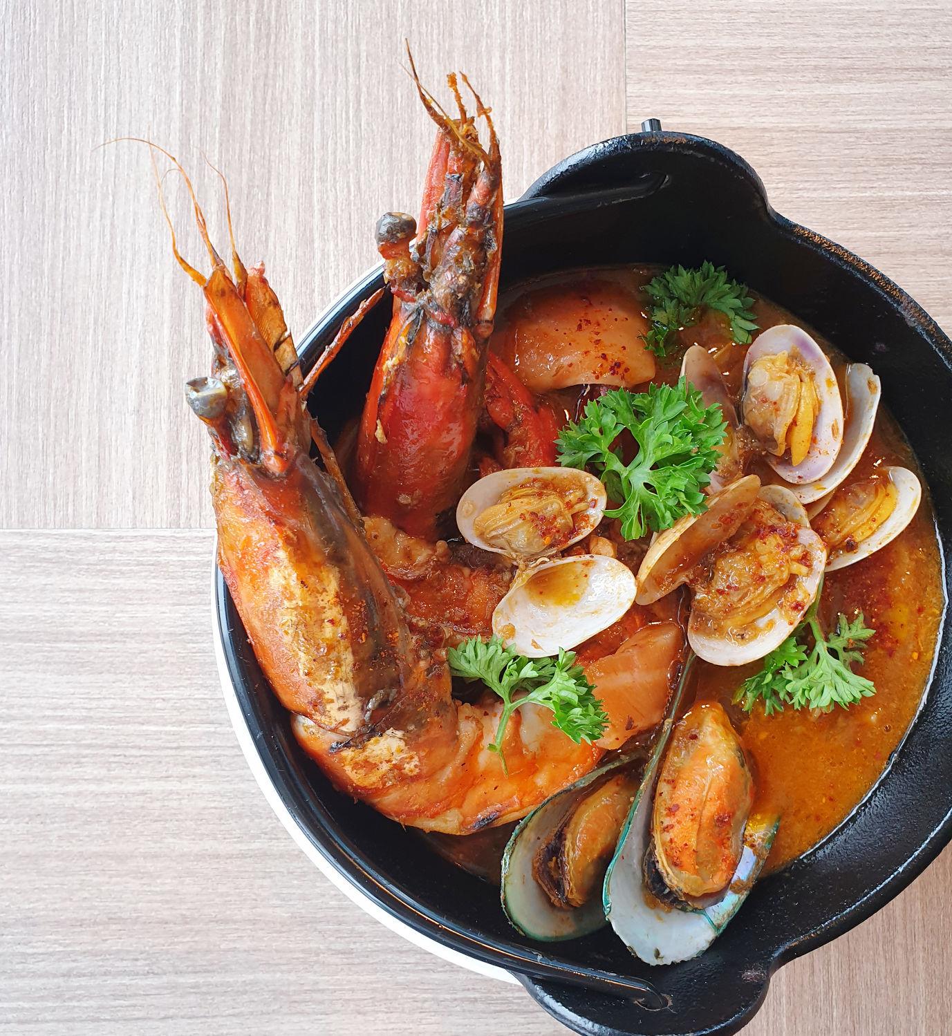 The Ah Hua Kelong Seafood Bouillabaisse - THE EDGE SINGAPORE