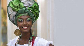 Woman with turban in Salvador de Bahia