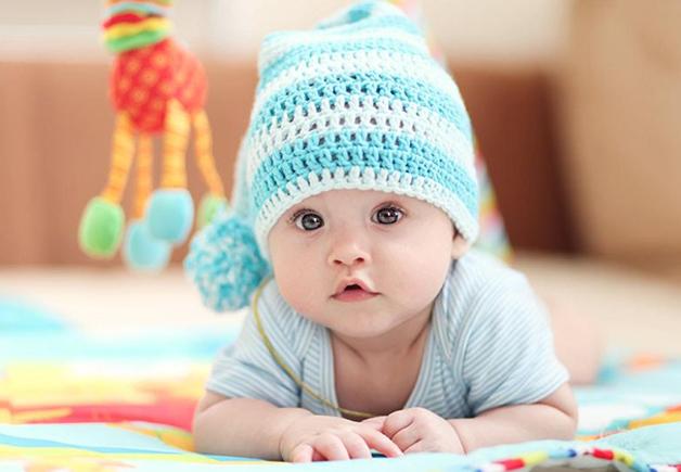 10 Inspirasi Rangkaian Nama Bayi Laki-Laki Beserta Artinya